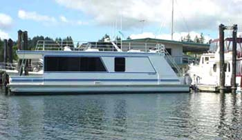 Pleasure Craft Houstboat Rentals